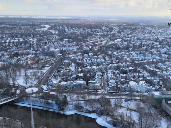 Lübeck am Mühlenteich mit ein wenig Schnee